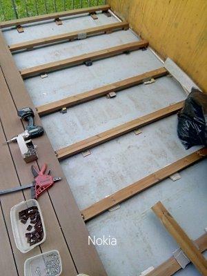 terasa-z-kompozitu-na-balkoně